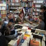des auteurs pour la jeunesse à la librairie