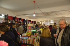 une librairie pleine à craquer